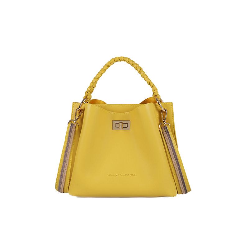 947ffe52f1 Γυναικεία Τσάντα Χειρός με Πλεκτό Χερούλι Χρώματος Κίτρινο Beverly Hills  Polo Club 802 657BHP0645 ...